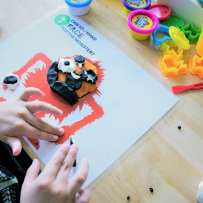 These 10 FREE Fall themed playdough mats are a great learning tool to teach your child all about numbers, and have some fun too!